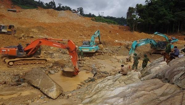Công tác tìm kiếm các nạn nhân mất tích tại thủy điện Rào Trăng 3 sẽ được triển khai khi thời tiết thuận lợi.