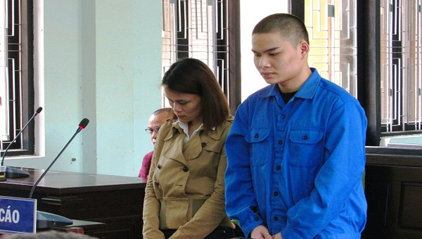 Phạm Trần Hào và Nguyễn Thị Ngọc Ánh tại phiên tòa xét xử
