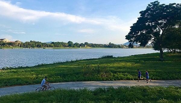 Phạm vi của dự án là khu vực công viên hai bên bờ sông Hương từ cầu Dã Viên đến cầu Trường Tiền.