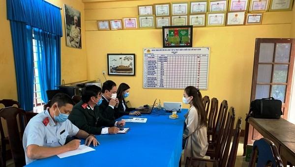 Thanh tra Sở Thông tin và truyền thông tỉnh TT- Huế làm việc với chị N.
