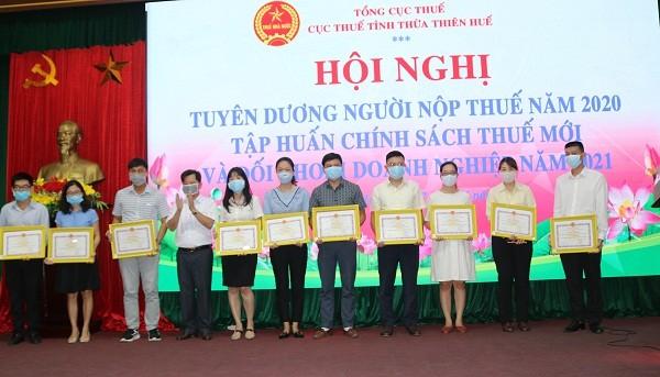 Cục Thuế tỉnh Thừa Thiên -Huế tuyên dương tổ chức, cá nhân thực hiện tốt chính sách, pháp luật thuế năm 2020