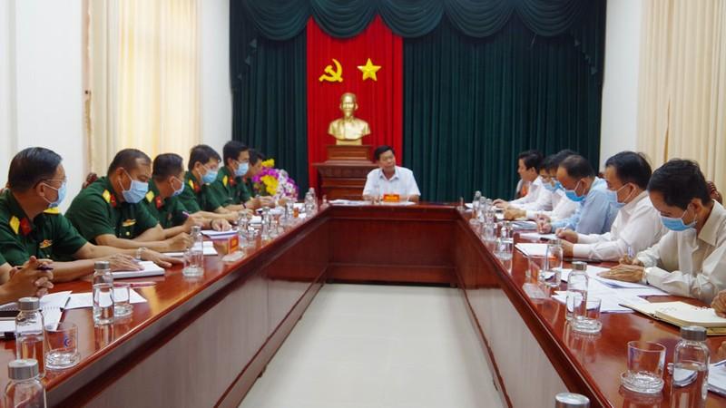 Chủ tịch UBND tỉnh Long An Trần Văn Cần chủ trì cuộc họp phòng, chống dịch Covid -19.