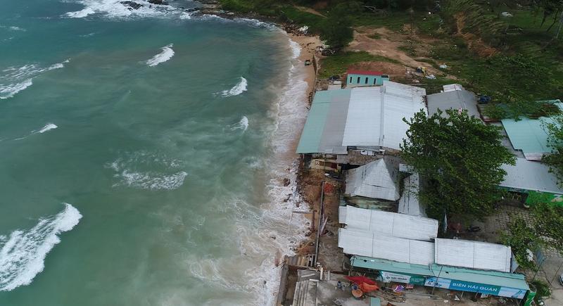 Hình ảnh Biên Hải Quán nằm sát mực nước biển