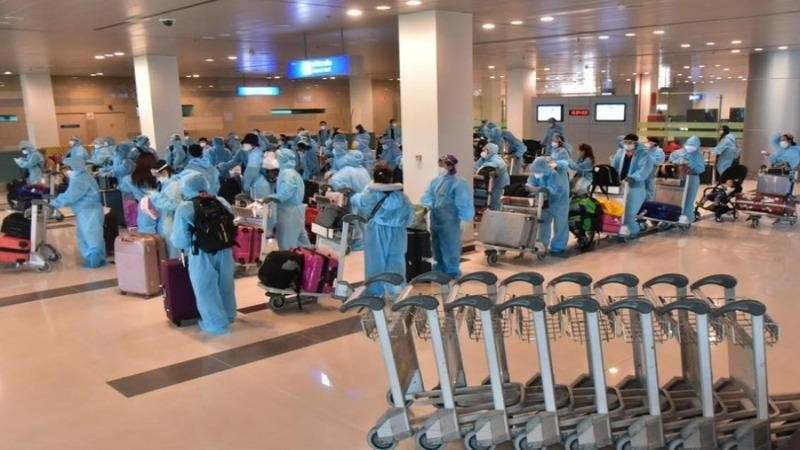 Tiền Giang tiếp nhận cách ly 242 công dân Việt Nam trở về từ Singapore
