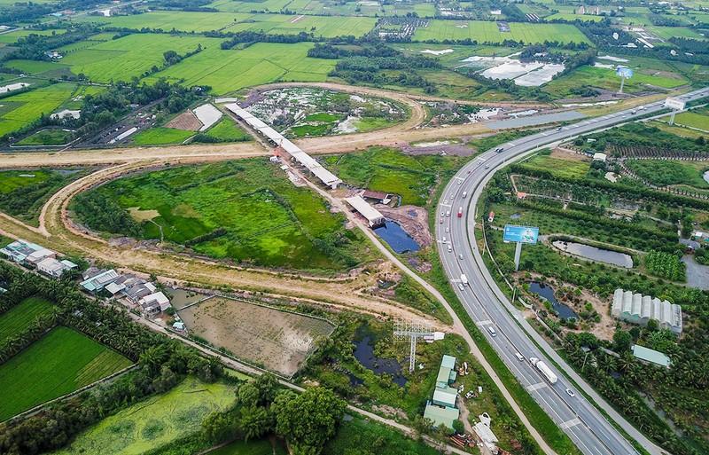 Cao tốc Trung Lương – Mỹ Thuận.