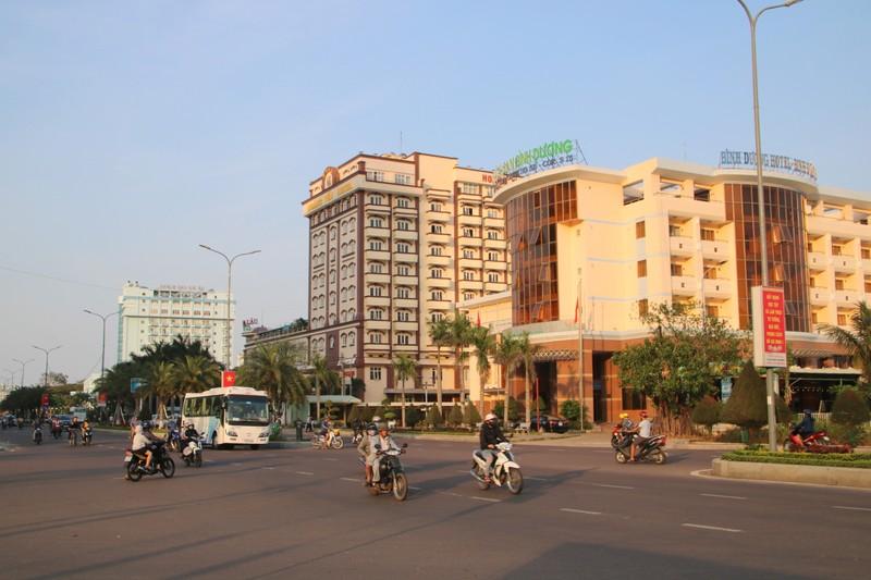 Tỉnh Bình Định đã có chủ trương di dời 3 khách sạn ven biển là Hải Âu, Hoàng Yến, Bình Dương để làm công viên.