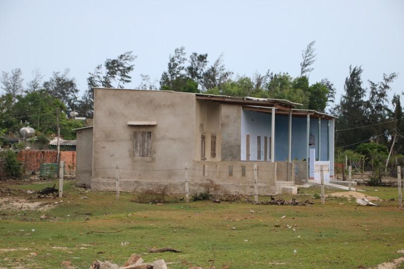 Tình trạng lấn chiếm đất đai, xây dựng trái phép diễn ra phức tạp ở thôn Phú Hậu (xã Cát Tiến, huyện Phù Cát, tỉnh Bình Định).