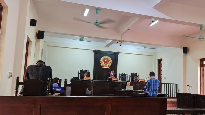 Vĩnh Phúc: Hai cấp tòa án có đang bỏ qua nhiều tình tiết quan trọng trong vụ án mang ô tô đi trộm cắp tài sản
