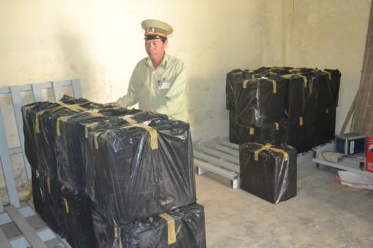 Đà Nẵng: Bắt giữ 12.500 bao thuốc lá nhập nhậu