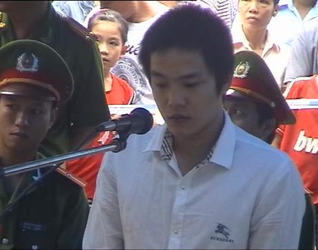 Quảng Nam: Mơ thấy bị bóp cổ, dùng dao chém chết người yêu