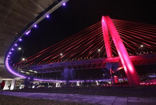 Cầu vươt lớn nhất Đông Nam Á về đêm