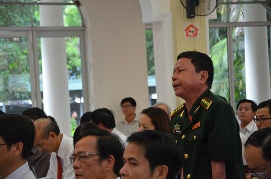 ĐB Nguyễn Quốc Bình bức xúc việc DN cản đường dân xuống biển