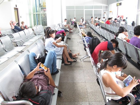 Đà Nẵng: Khách hàng bức xúc vì bị hãng Hàng không Jetstar Pacific bỏ rơi