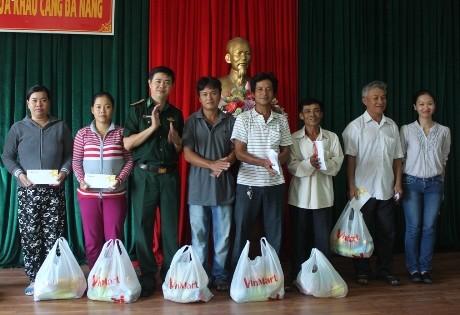 Tặng 500 xuất quà cho ngư dân Đà Nẵng