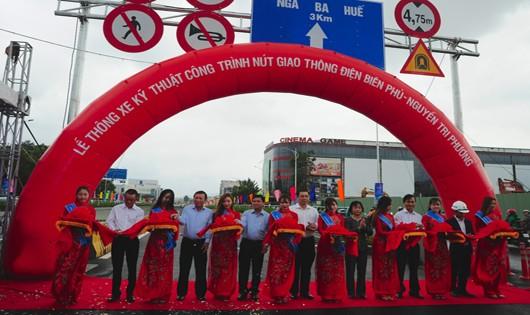 Lễ thông xe kỹ thuật công trình nút giao thông Hầm chui Nguyễn Tri Phương, Điện Biên Phủ.