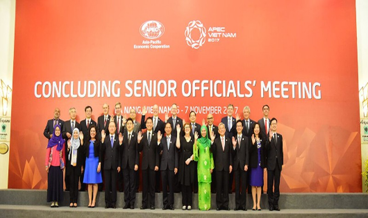 Các quan chức tham dự Hội nghị ngày 6/11