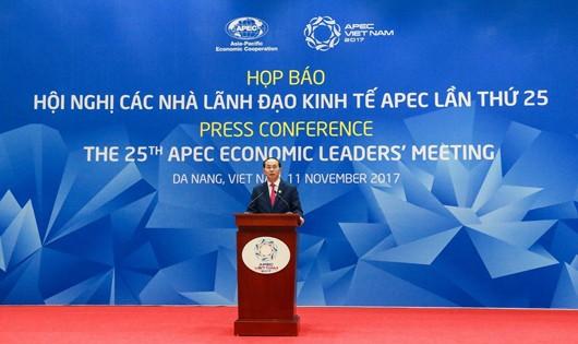 Chủ tịch nước Trần Đại Quang chủ trì họp báo kết thúc Hội nghị các nhà lãnh đạo kinh tế APEC lần thứ 25.
