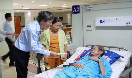 Các suất quà được EVNCPC chuyển tới các bệnh nhân điều trị tại Bệnh viện Ưng bướu Đà Nẵng