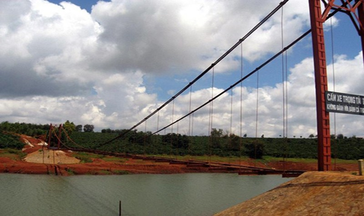 Gia Lai: Ra hồ chơi, 3 học sinh đuối nước thương tâm