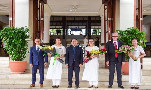 Tống thống Cộng hòa Ấn Độ tại Cung hội nghị Quốc tế Đà Nẵng, chuẩn bị dự tiệc chiêu đãi của lãnh đạo TP. Đà Nẵng