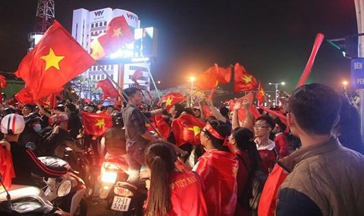 Đà Nẵng kêu gọi người dân, du khách cổ vũ trận chung kết Việt Nam - Malaysia văn minh, an toàn