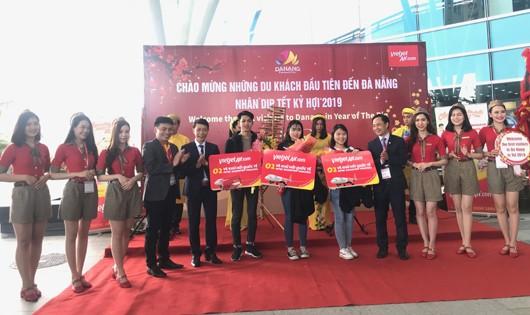 Đón chuyến bay đầu tiên Tết Kỷ Hợi và chào mừng nhiều sự kiện quan trọng của Hàng không Đà Nẵng năm 2019