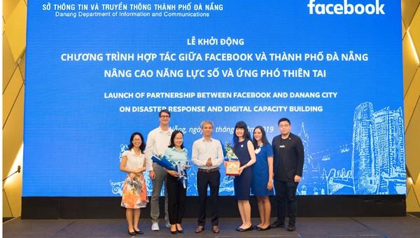 Facebook hơp tác với Đà Nẵng trong lĩnh vực nâng cao nặng lực số và ứng phó thiên tại