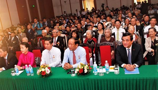 Gặp mặt truyền thống nhân kỷ niệm 65 năm ngày cán bộ, bộ đội, học sinh Quảng Nam tập kết ra miền Bắc