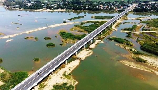 Chuỗi dự án trọng điểm mở ra cơ hội phát triển mới cho Quảng Ngãi