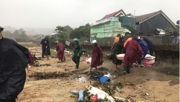 Nam Trung Bộ căng mình chống bão