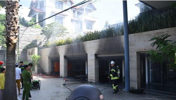 Hienj trường vụ cháy tầng hầm biệt thự
