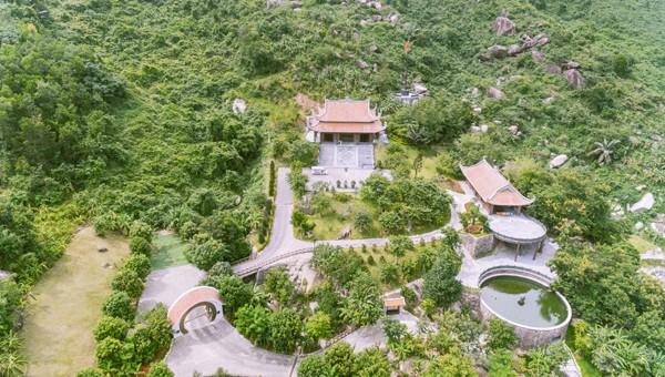 Công viên suối khoáng nóng Núi Thần Tài Đà Nẵng