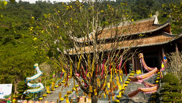Lễ Hội Thần tài tại Khu du lịch Núi Thần Tài Đà Nẵng