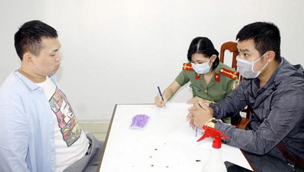Bị can Xiao Qui Ping làm việc với CQĐT