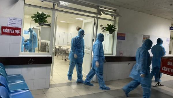 Lịch sử đi lại của 2 du khách người Anh nhiễm Sars-CoV-2 ở Đà Nẵng