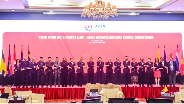 Thông qua 12 đề xuất về sáng kiến, ưu tiên hợp tác kinh tế của Việt Nam trong năm Chủ tịch ASEAN 2020