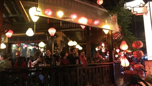 Dừng kinh doanh ăn uống, giải khát tại Hội An, đóng các cửa khẩu tuyến biên giới Việt Nam - Lào
