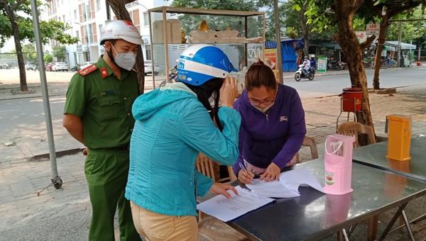 Hàng quán Đà Nẵng đồng loạt đóng cửa trong ngày đầu thực hiện lệnh cấm