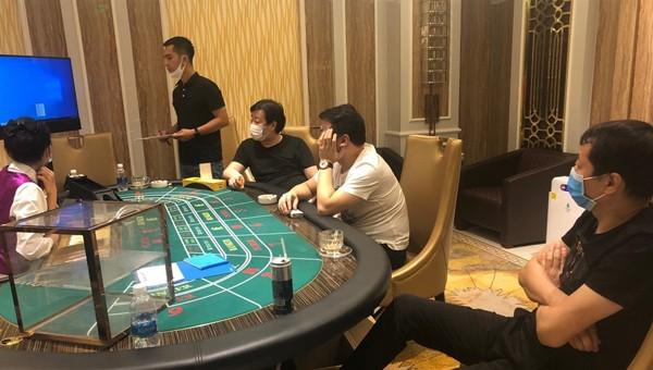 Hàng chục người đánh bạc trái phép trong resort