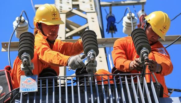 Gần 295 tỷ đồng giảm giá tiền điện cho khách hàng miền Trung- Tây Nguyên
