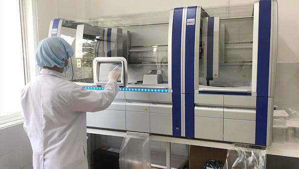 Gói mua máy xét nghiệm Covid-19 có nhiều vi phạm, Quảng Nam kiến nghị hủy thầu