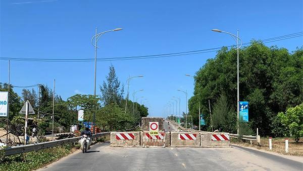 Dân đi lại khổ, tai nạn tăng do chậm sửa chữa cầu Trà Bồng