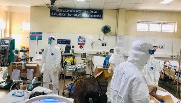 Bệnh viện dã chiến thuộc Trung tâm Y tế huyện Hòa Vang đang tiếp nhận và điều trị cho các ca mắc Covid-19
