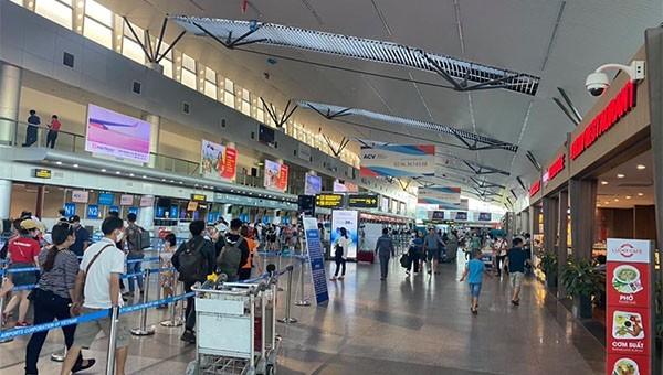 828 du khách bay từ Đà Nẵng về Hà Nội trong 2 ngày 12,13/8