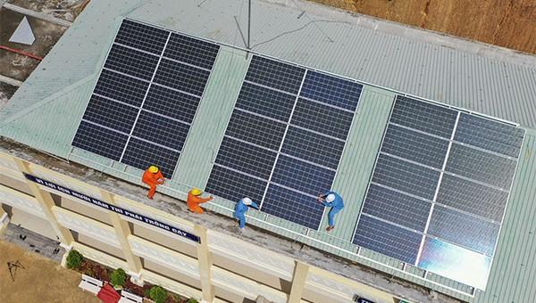 8.732 dự án điện mặt trời mái nhà đấu nối vào lưới điện trên địa bàn miền Trung – Tây Nguyên