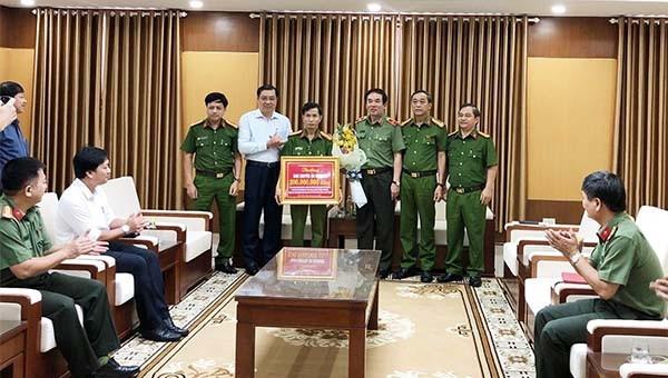 Khen thưởng Công an Đà Nẵng trong vụ phá đường dây đánh bạc hơn 10.000 tỷ đồng