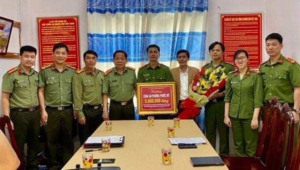 Dùng CMND Việt Nam che giấu 2 khách Trung Quốc lưu trú tại Đà Nẵng