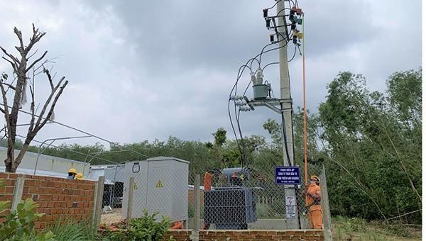 Điện lực Mộ Đức: Nghiệm thu đóng điện TBA Công ty TNHH Đầu tư phát triển năng lượng Thiên Nam Graden