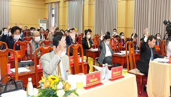 Sau 3 ngày làm việc, HĐND đã biểu quyết thông qua 30 Nghị quyết để thể chế hóa quy định của pháp luật và chủ trương.