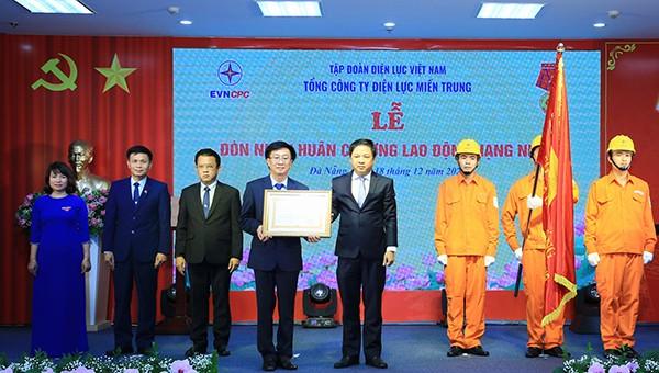 EVNCPC đón nhận Huân chương Lao động hạng Nhất